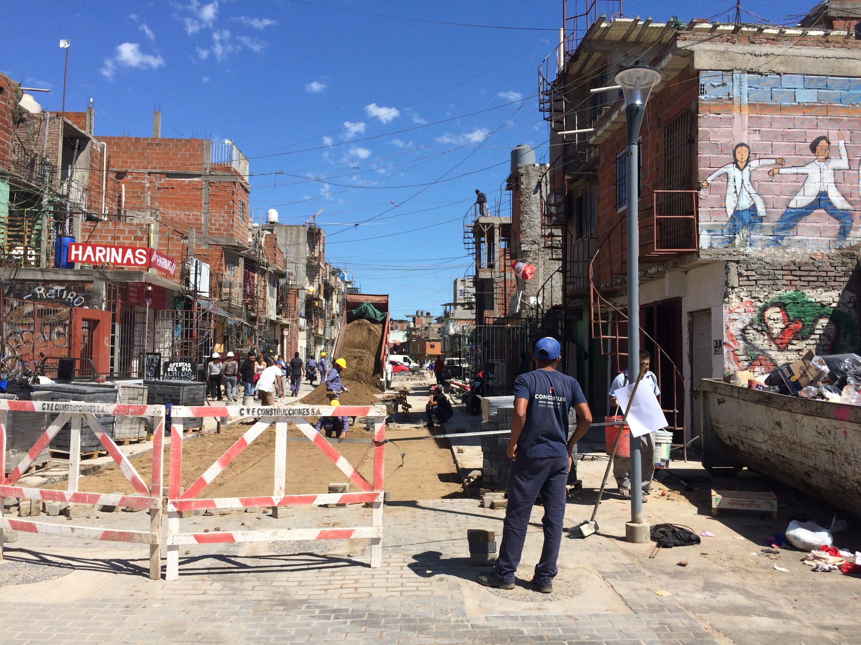 Obras de remodelación en Güemes, uno de los barrios de la villa 31 / C.G.C
