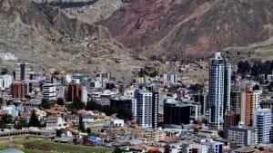 Vista_del_barrio_de_Calacoto_La_Paz_Bolivia